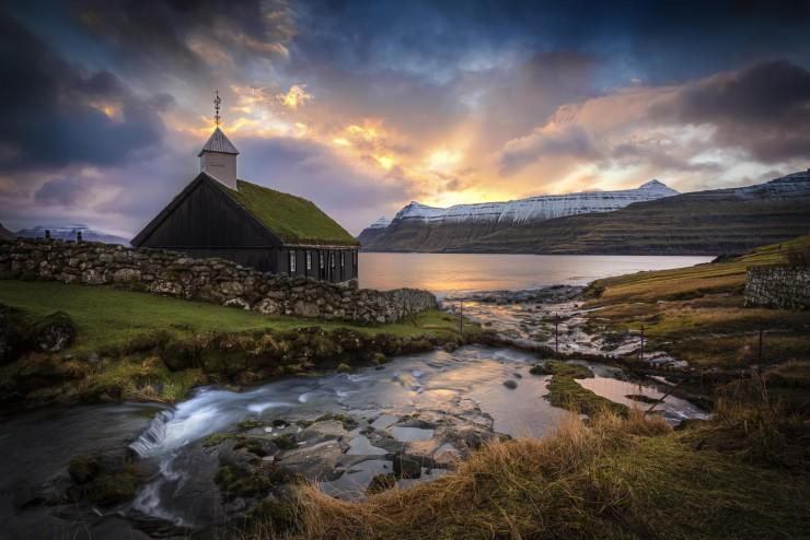 The-Faroe-Islands.-Photo-by-Marc-Perrella-740x494