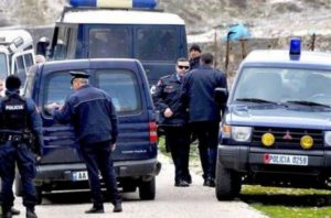 auto_policia_fshat1506238211